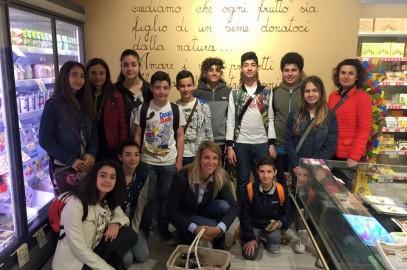 I ragazzi delle scuole in visita da Fabì